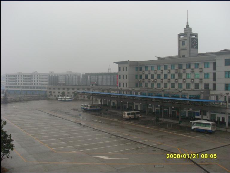 搞好湘潭县城县容建设,通过天易站带动县城经济发展.