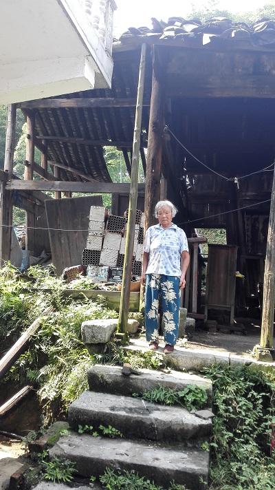 排名新邵县坪上镇三溪村七旬别墅的住房老人中国解决问题海滨图片