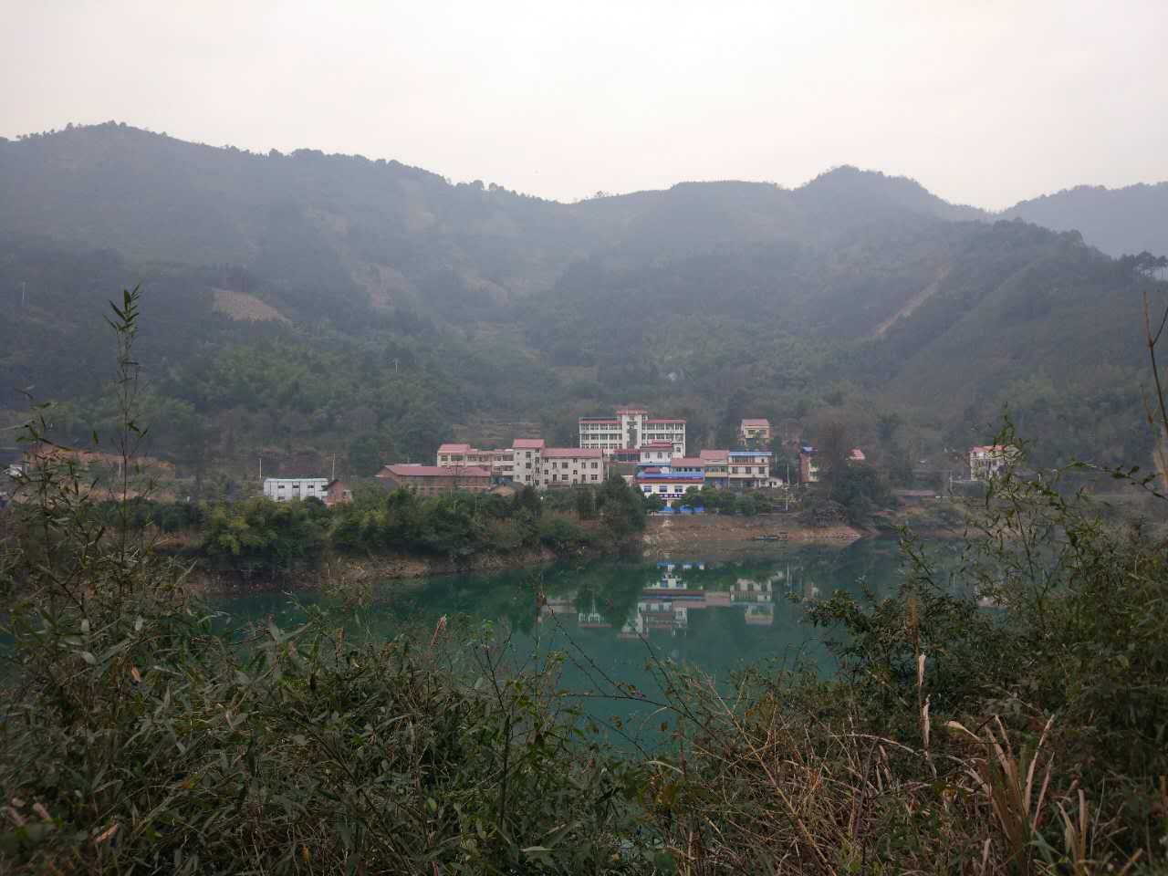 双牌县移民局党组书记、局长邓石华接受组织审查